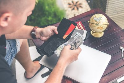 How to Handle an Emergency Cash Flow Problem